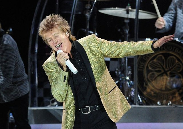 Rod Stewart to perform in Bolton next summer   Wigan Today