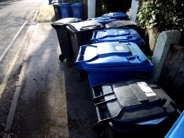 The amount of waste produced by each resident last year is as heavy as four washing machines