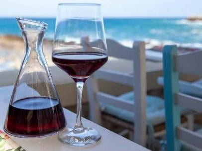 Ancient and modern Greek  wines