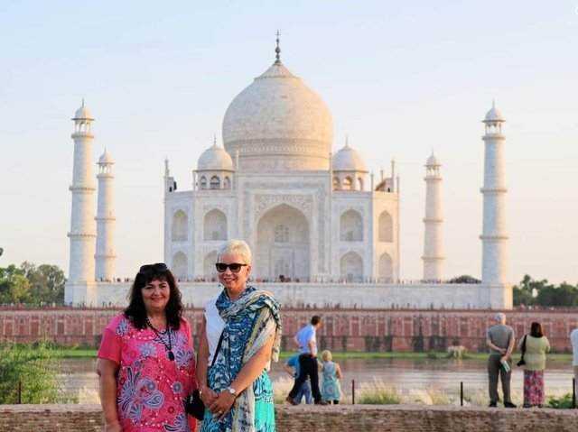 Mari Buckley - Three years ago I went to India with my cousin to celebrate our birthdays. Amazing holiday