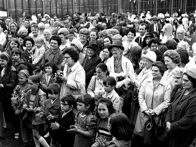 Billinge Hospital summer fete visitors in 1971