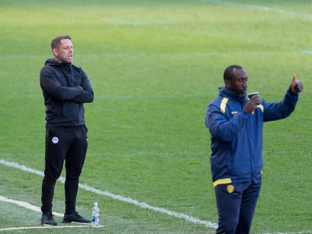 Jimmy Floyd Hasselbaink (right) with Leam Richardson in the technical area