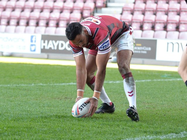 Bevan French scores a try