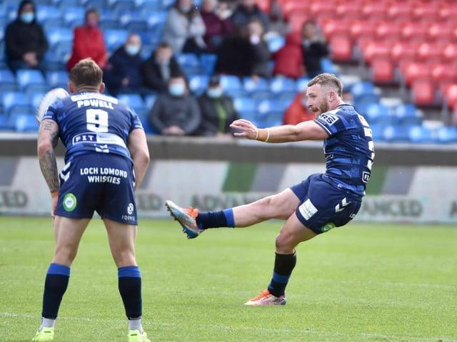 Jackson Hastings strikes the winning drop goal