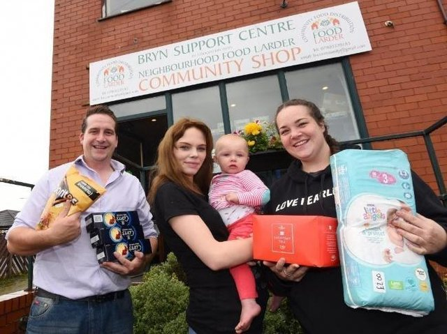 Coun Steve Jones with partner Courtney Bampton, daughter 11-month-old Lilly and sister Becky Jones