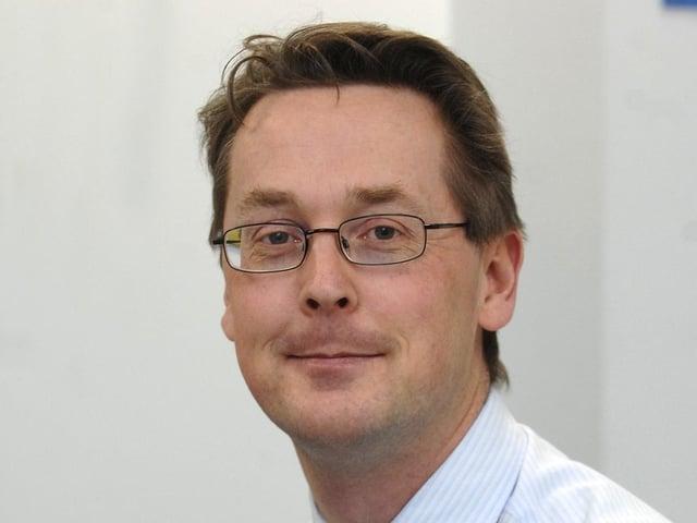 Dr Tim Dalton