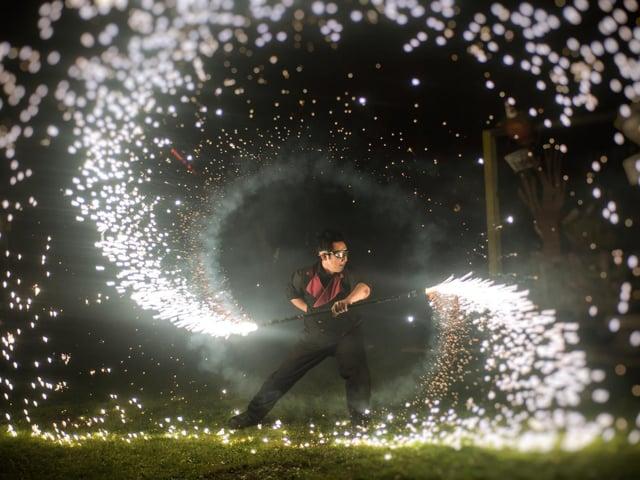 Juggling Inferno. Photo by Thomas Byron
