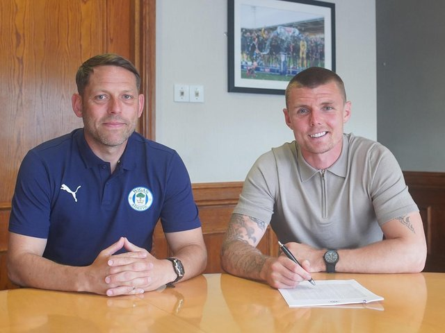 Max Power rejoins Latics, watched by boss Leam Richardson