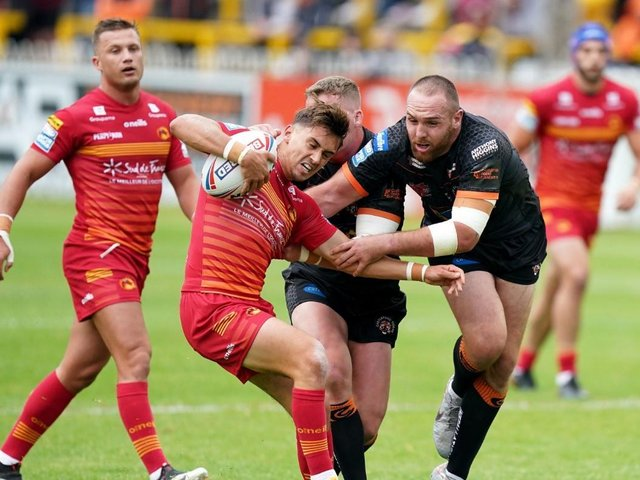 Action from Castleford v Catalans