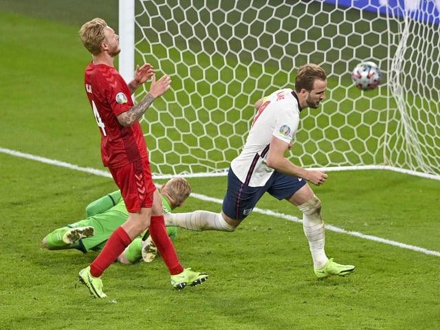 Harry Kane scores England's winning goal